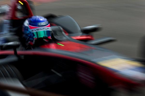 2015/2016 FIA Formula E Championship. Punta del Este ePrix, Punta del Este, Uruguay. Friday 18 December 2015. Stephane Sarrazin (FRA), Venturi VM200-FE-01. Photo: Zak Mauger/LAT/Formula E ref: Digital Image _L0U6706