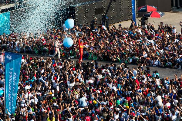 2015/2016 FIA Formula E Championship. Mexico City ePrix, Autodromo Hermanos Rodriguez, Mexico City, Mexico. Saturday 12 March 2016. Jerome D'Ambrosio (FRA) Dragon Racing - Venturi VM200-FE-01, Lucas Di Grassi (BRA), ABT Audi Sport FE01. Photo: Zak Mauger/LAT/Formula E ref: Digital Image _79P4160