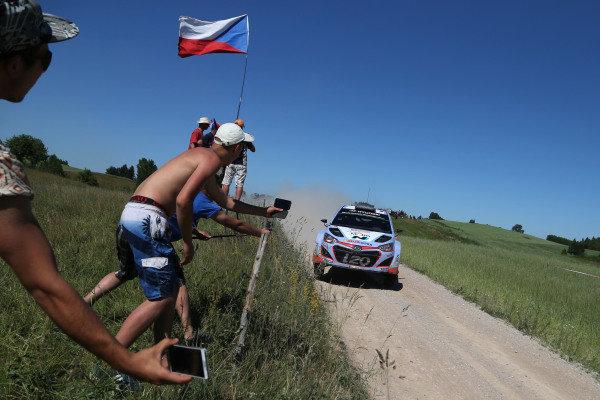 Thierry Neuville (BEL) / Nicolas Gilsoul (BEL) Hyundai i20 WRC at FIA World Rally Championship, Rd7, Lotos 71st Rally Poland, Day One, Mikolajki, Poland, Friday 3 July 2015.