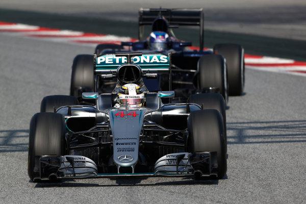 Circuit de Catalunya, Barcelona, Spain Thursday 25 February 2016. Lewis Hamilton, Mercedes F1 W07 Hybrid, leads Max Verstappen, Toro Rosso STR11 Ferrari. World Copyright: Sam Bloxham/LAT Photographic ref: Digital Image _SBL8330