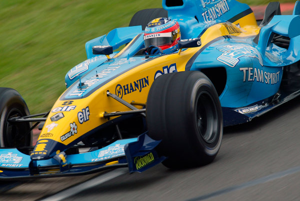 2004 Formual One TestingSilverstone, England. 1st June 2004.Fernando Alonso, Renault R24, action.World Copyright: Glenn Dunbar/LAT Photographicref: Digital Image Only