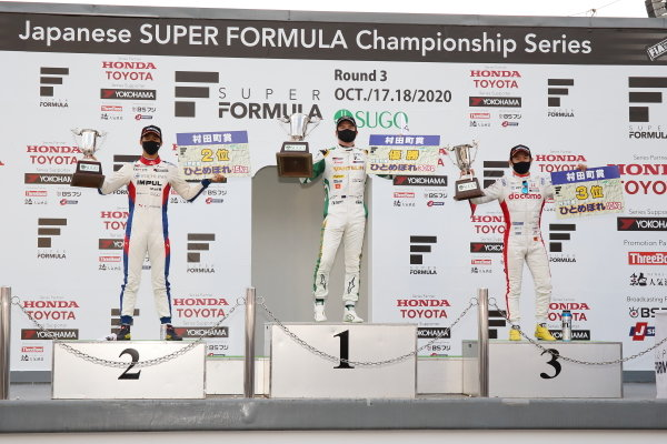 Winner Nick Cassidy ( #1 VANTELIN TEAM TOM'S, Dallara SF19 Toyota) celebrates on the podium with Ryo Hirakawa ( #20 ITOCHU ENEX TEAM IMPUL ), 2nd, and Naoki Yamamoto ( #5 DOCOMO TEAM DANDELION RACING ), 3rd.
