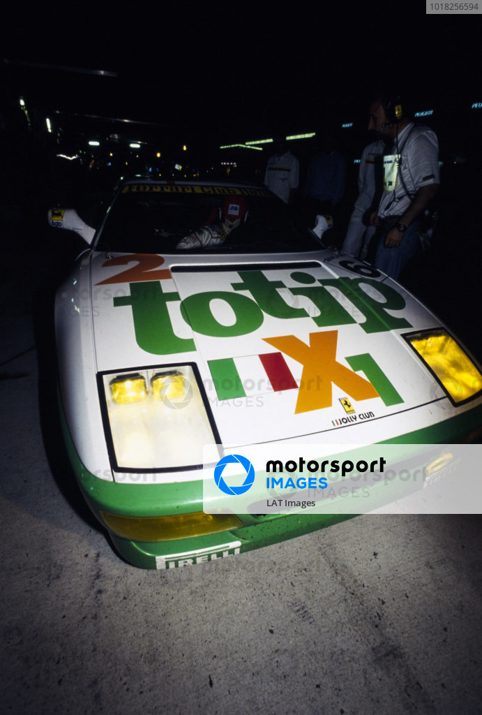 Oscar Larrauri / Fabio Mancini / Joël Gouhier, Ferrari Club Italia, Ferrari 348 GTC-LM, makes a pitstop during the night.