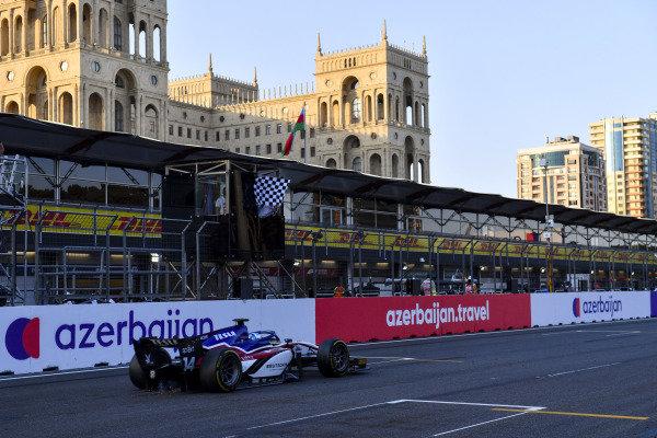 David Beckmann (DEU, Charouz Racing System), passes the chequered flag
