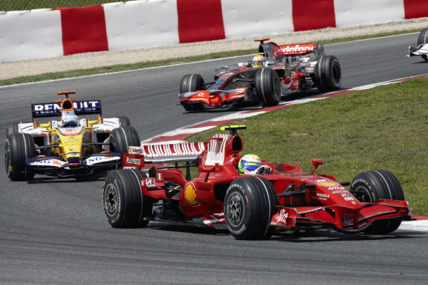 Felipe Massa, Ferrari F2008 leads Fernando Alonso, Renault R28 and Lewis Hamilton, McLaren MP4-23 Mercedes.