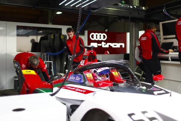 Nico Muller (CHE), Audi Sport ABT Schaeffler, Audi e-tron FE05 in the garage