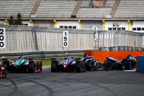 Stoffel Vandoorne (BEL), Mercedes Benz EQ Formula, EQ Silver Arrow 01 leads Oliver Rowland (GBR), Nissan e.Dams, Nissan IMO2 and Daniel Abt (DEU), Audi Sport ABT Schaeffler, Audi e-tron FE06