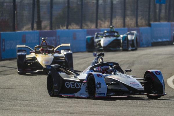 Maximilian Günther (DEU), Dragon Racing, Penske EV-3, leads Jean-Eric Vergne (FRA), DS TECHEETAH, DS E-Tense FE19