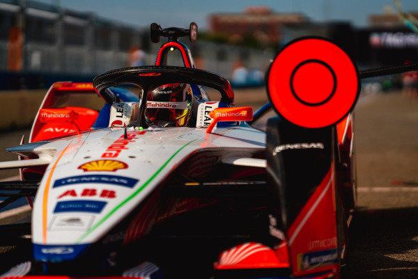 Pascal Wehrlein (DEU), Mahindra Racing, M5 Electro in the pit lane