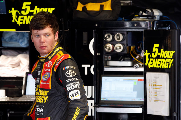 2017 Monster Energy NASCAR Cup Series STP 500 Martinsville Speedway, Martinsville, VA USA Friday 31 March 2017 Erik Jones, 5-hour Energy Extra Strength Toyota Camry World Copyright: Matthew T. Thacker/LAT Images ref: Digital Image 17MART11031