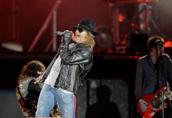 Homebush Street Circuit, Sydney, New South Wales.4th - 5th December 2010.Guns N Roses concert during the Sydney Telstra 500 Grand Finale.World Copyright: Mark Horsburgh/LAT Photographicref: Digital Image GunsNRoses-EV14-10-01242
