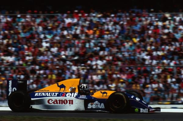 Damon Hill (GBR) Williams FW 15C looked set to win his first GP until he was forced to retire with a puncture.