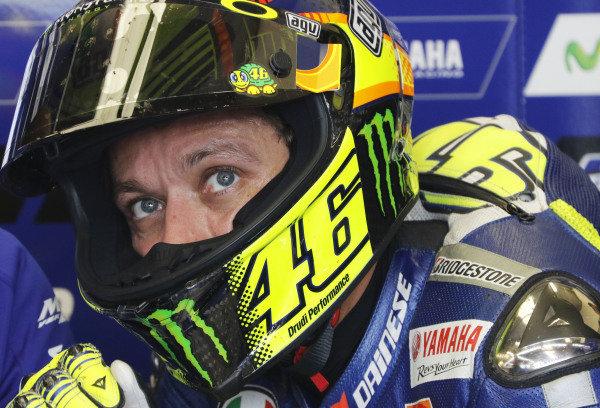2015 MotoGP Championship.  British Grand Prix.  Silverstone, England. 28th - 30th August 2015.  Valentino Rossi, Yamaha.  Ref: KW7_5546a. World copyright: Kevin Wood/LAT Photographic