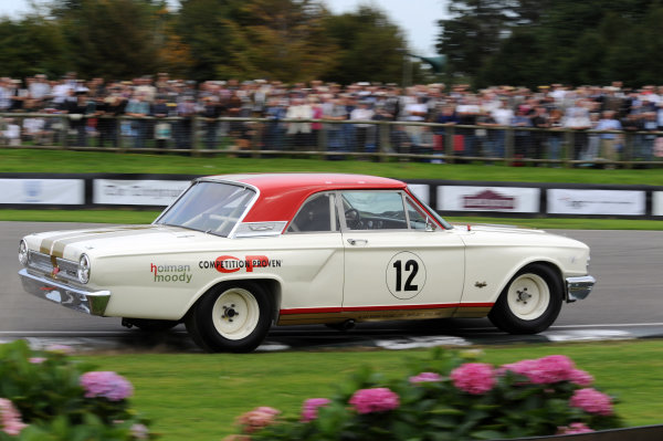2015 Goodwood Revival Meeting Goodwood Estate, West Sussex, England 11th - 13th September 2015 St Mary's Trophy Part 2 Henry Mann Ford Fairlane World Copyright : Jeff Bloxham/LAT Photographic Ref : Digital Image DSC_6866