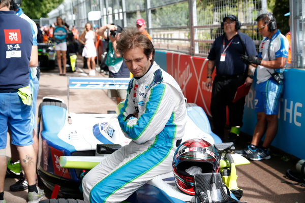 2014/2015 FIA Formula E Championship. London e-Prix, Battersea Park, London, UK. Sunday 28 June 2015. Jarno Trulli (ITA)/Trulli Racing - Spark-Renault SRT_01E on the grid.  World Copyright: Adam Warner/LAT Photographic/Formula E. ref: Digital Image _L5R1905