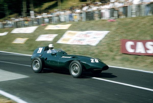 1957 French Grand Prix.Rouen-Les-Essarts, France.5-7 July 1957.Roy Salvadori (Vanwall VW).Ref-57 FRA 27.World Copyright - LAT Photographic