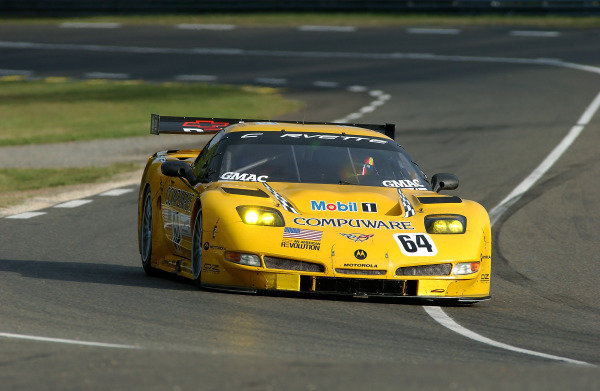 2004 Le Mans 24 Hours. Le Mans, France. 9th June 2004. Gavin/Beretta/Magnussen (Corvette Racing Chevrolet Corvette C5-R) action. World Copyright: Jeff Bloxham/LAT Photographic ref: Digital Image Only