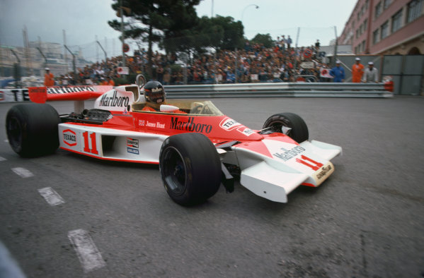 Monte Carlo, Monaco. 27th - 30th May 1976. James Hunt (McLaren M23-Ford), retired, action.  World Copyright: LAT Photographic.  Ref:  76 MON 45.