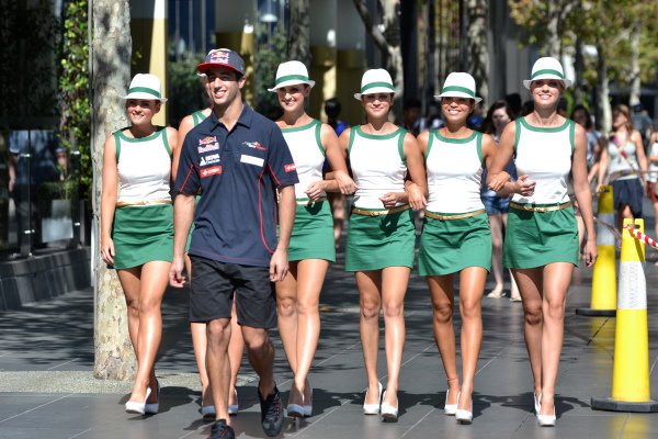 Daniel Ricciardo (AUS) Scuderia Toro Rosso with the Rolex Grid girls.Formula One World Championship, Rd1, Australian Grand Prix, Preparations, Albert Park, Melbourne, Australia, Tuesday 12 March 2013.