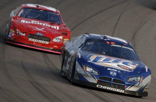 Rusty Wallace (USA) and Ricky Rudd (USA). NASCAR Nextel Cup, Rd36, Homestead-Miami Speedway, Florida, USA, 20 November 2005. DIGITAL IMAGE