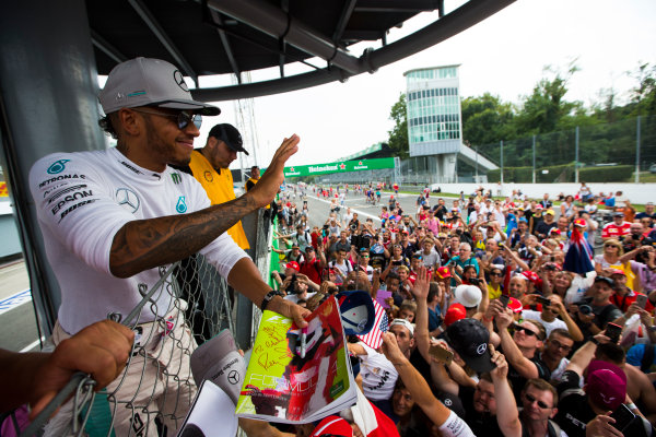 Autodromo Nazionale di Monza, Italy. Sunday 4 September 2016. Lewis Hamilton, Mercedes AMG, 2nd Position, celebrates with the fans after the race. World Copyright: Sam Bloxham/LAT Photographic ref: Digital Image _SBB9723