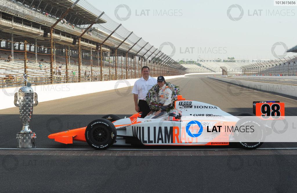 23  May 2011, Indianapolis, Indiana USA2011 Indy 500 winner, Dan Wheldon with Honda's Eric Berkman.©2011 Dan R. Boyd Lat Photo USA