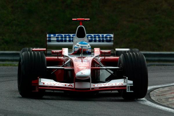 2002 Hungarian Grand Prix - Friday PracticeHungaroring, Budapest, Hungary. 16th August 2002Mika Salo (Toyota TF102).World Copyright - LAT Photographicref: digital file