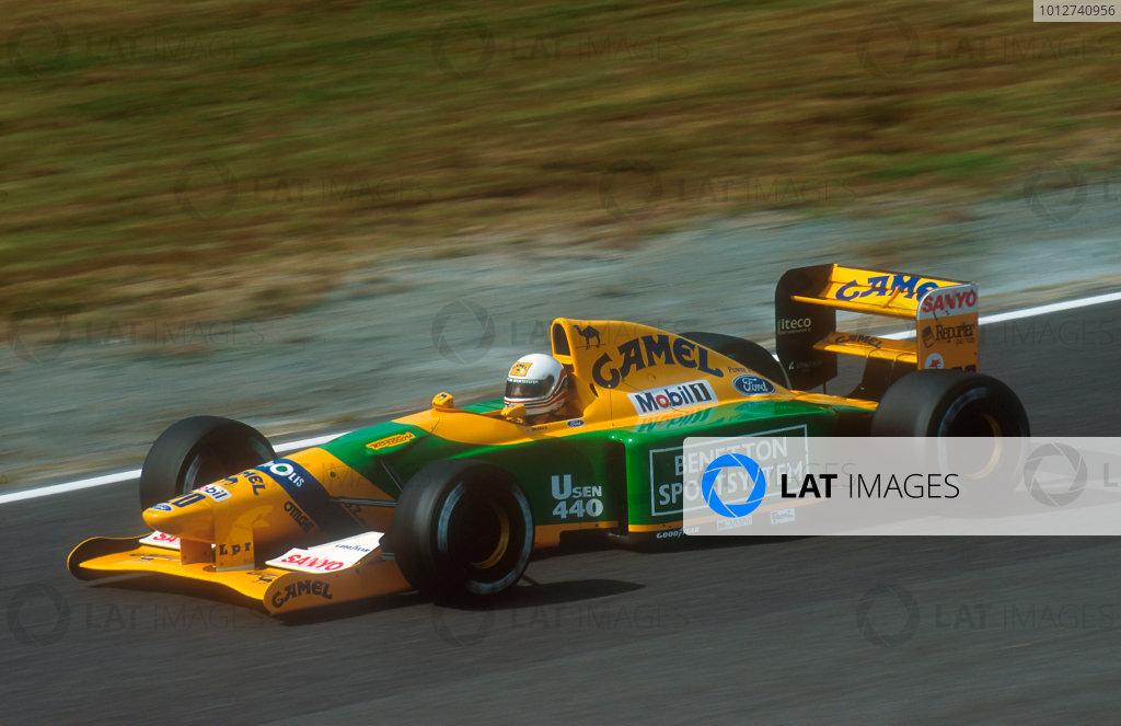 1992 Japanese Grand Prix.Suzuka, Japan.23-25 October 1992.Martin Brundle (Benetton B192 Ford) 3rd position.Ref-92 JAP 09.World Copyright - LAT Photographic