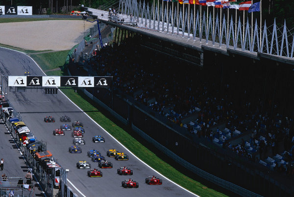 2002 F3000 ChampionshipA1-Ring, Austria. 11th May 2002.Start of the race.World Copyright: Clive Rose/LAT Photographicref: 35mm Image A01