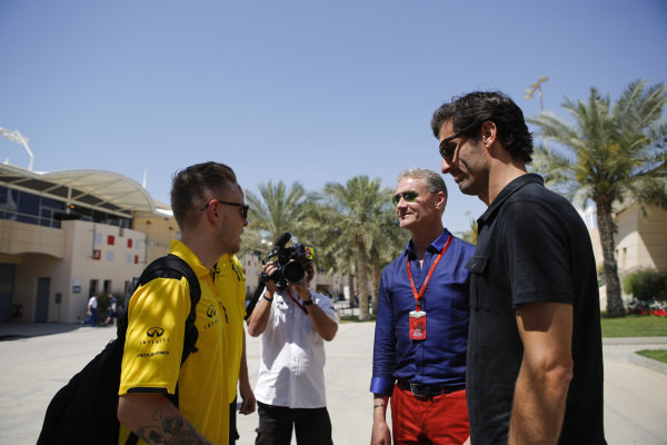 Kevin Magnussen (DEN) Renault Sport F1 Team, Mark Webber (AUS) and David Coulthard (GBR) Channel Four TV Commentator at Formula One World Championship, Rd2, Bahrain Grand Prix Qualifying, Bahrain International Circuit, Sakhir, Bahrain, Saturday 2 April 2016.