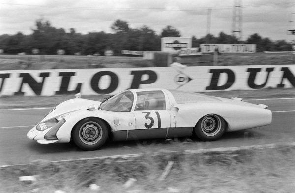 Hans Herrmann / Herbert Linge, Porsche System Engineering, Porsche 906/6 Carrera 6 Langheck.