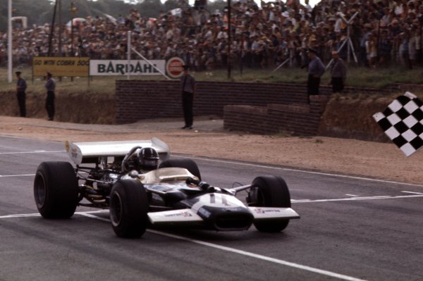1970 South African Grand Prix.Kyalami, South Africa.5-7 March 1970.Graham Hill (Lotus 49C Ford) 6th position.Ref-70 SA 03.World Copyright - LAT Photographic
