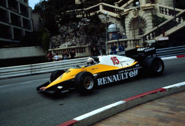 1983 Monaco Grand Prix.Monte Carlo, Monaco.12-15 May 1983.Alain Prost (Renault RE40) 3rd position at Loews Hairpin.World Copyright - LAT Photographic