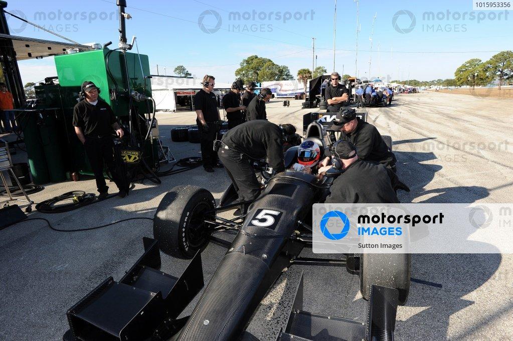Rubens Barrichello (BRA) KV Racing Dallara DW12. Rubens Barrichello IndyCar Test, Sebring, Florida, USA, Tuesday 31 January 2012.