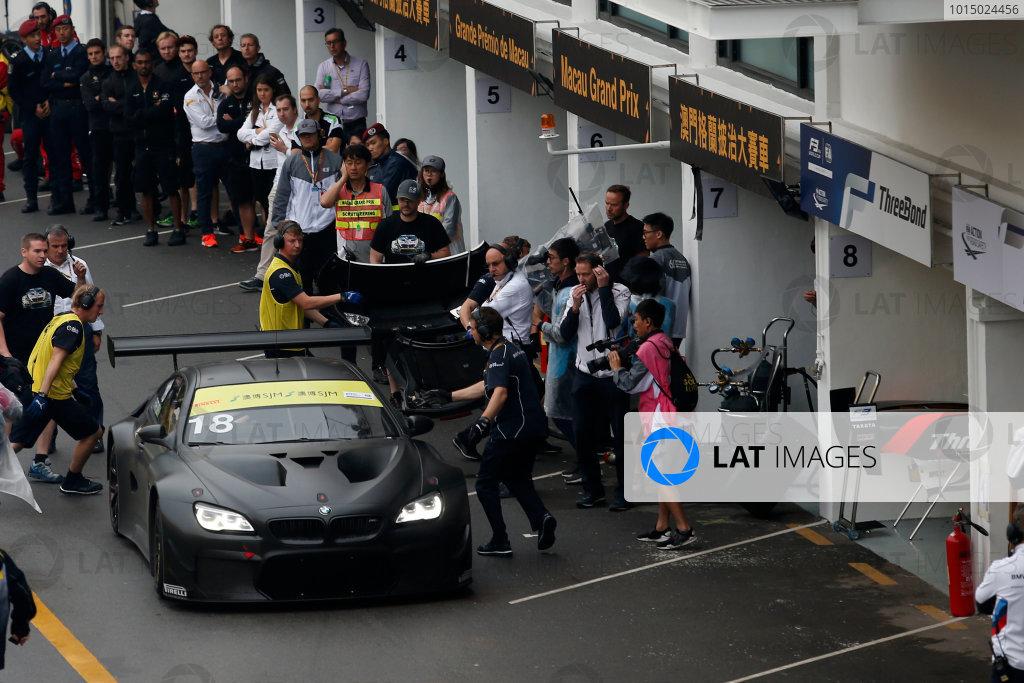 2015 FIA GT World Cup Circuit de Guia, Macau, China Sunday 19 November 2017. Augusto Farfus, BMW Team Schnitzer, BMW M6 GT3 at the pits  World Copyright: Alexander Trienitz/LAT Images ref: Digital Image 2017-Macau-GP-AT2-4126