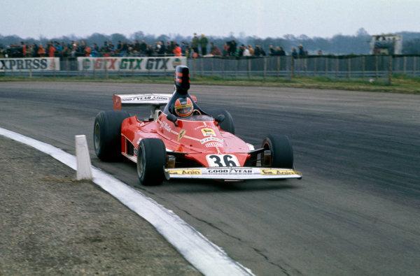 Silverstone, Great Britain. 11th April 1976. Giancarlo Martini (Ferrari 312T), 10th position, action.  World Copyright: LAT Photographic. Ref:  76 INT 11.