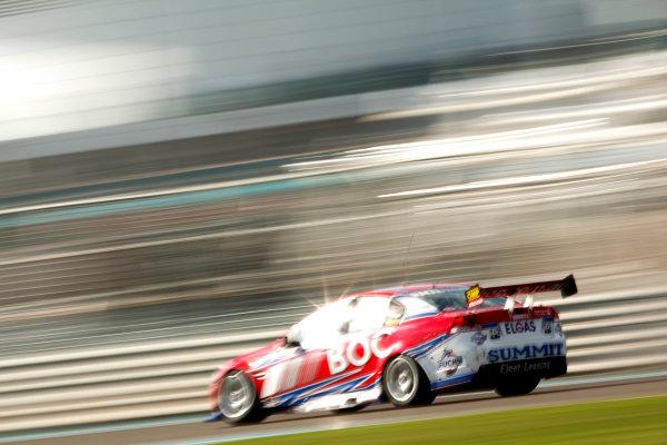 YAS Marina Circuit, Abu Dhabi. 10th -  12h February 2011. Jason Bright, (Brad Jones Racing). Action.  World Copyright: Drew Gibson/LAT Photographicref: Digital Image DG5D8035