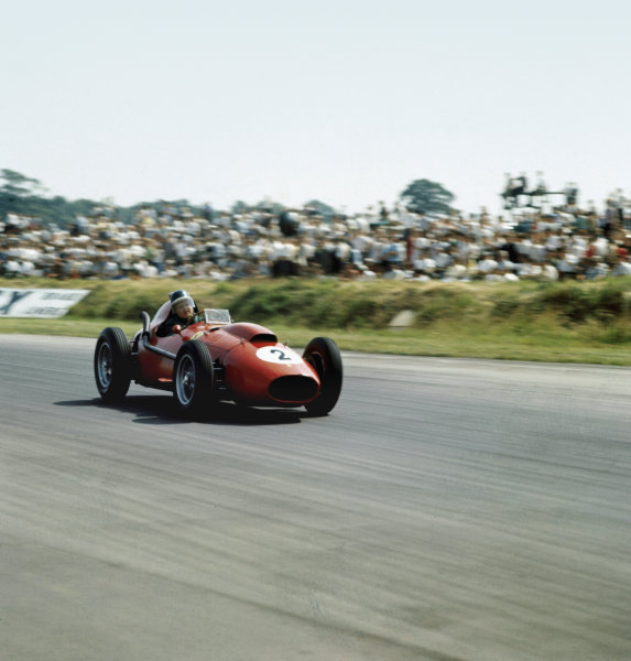Silverstone, England. 17th - 19th July 1958.Mike Hawthorn (Ferrari Dino 246) 2nd position, action.Ref: 3/0094.World Copyright: LAT Photographic