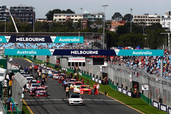 Australian Supercars Series Albert Park, Melbourne, Australia. Sunday 26 March 2017. Race 4. The busy pre race grid. World Copyright: Zak Mauger/LAT Images ref: Digital Image _56I0128