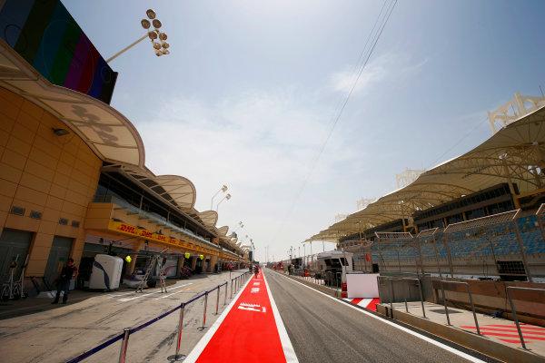 Bahrain International Circuit, Sakhir, Bahrain.  Thursday 13 April 2017. The pit lane. World Copyright: Andy Hone/LAT Images ref: Digital Image _ONY6119