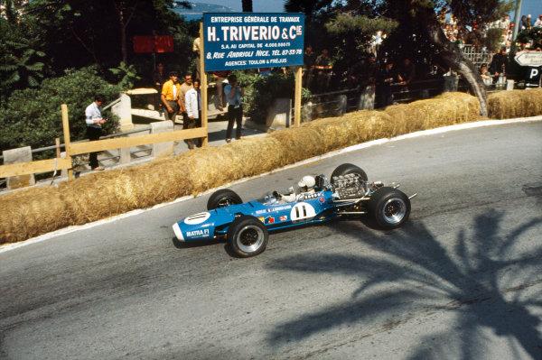 Monte Carlo, Monaco. 26 May 1968. Johnny Servoz-Gavin (Matra MS10-Ford), retired, action. World Copyright: LAT Photographic. Ref: 68MON16.