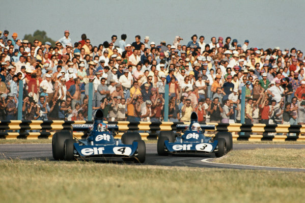 Buenos Aires, Argentina. 13th January 1974. Patrick Depailler (Tyrrell 005-Ford) leads teammate Jody Scheckter (Tyrrell 006-Ford). Action. World Copyright: LAT Photographic.Ref: 74ARG12