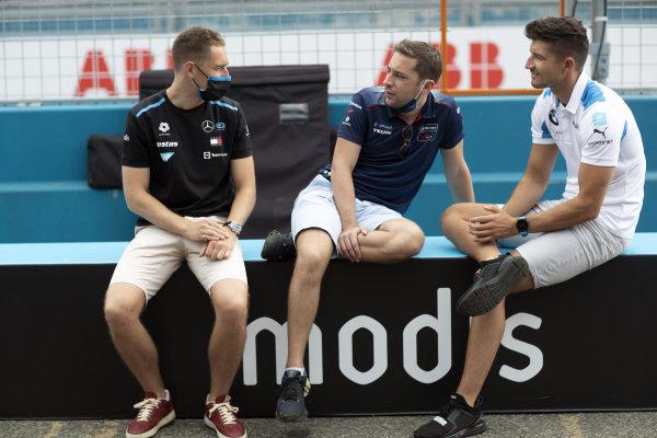 Stoffel Vandoorne (BEL), Mercedes Benz EQ, Robin Frijns (NLD), Envision Virgin Racing, and Jake Dennis (GBR), BMW I Andretti Motorsport
