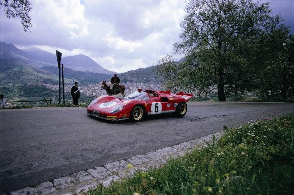 Nino Vaccarella / Ignazio Giunti, Spa Ferrari SEFAC, Ferrari 512 S 1004.