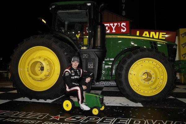 Josef Newgarden, Team Penske Chevrolet, podium, tractor