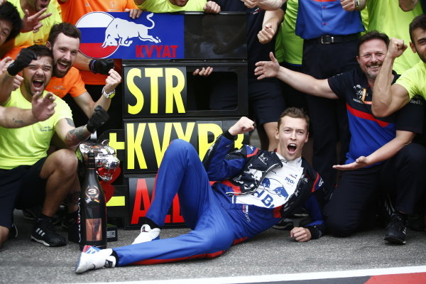 Daniil Kvyat, Toro Rosso, celebrates his third place with colleagues
