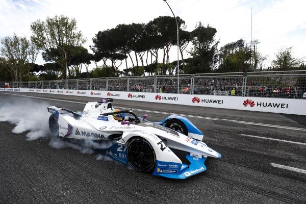 Alexander Sims (GBR) BMW I Andretti Motorsports, BMW iFE.18,locks up