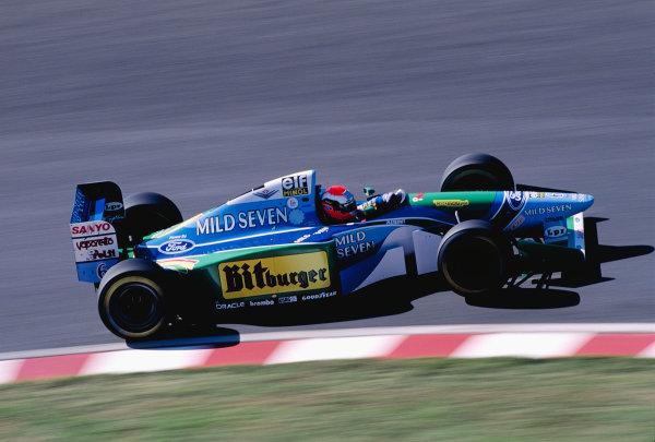 Suzuka, Japan. 4th - 6th November 1994. Johnny Herbert (Benetton B194 Ford).Ref-94 JAP 17.World Copyright - LAT Photographic