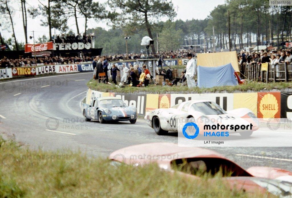 1968 Le Mans 24 hours. Le Mans, France. 28-29 September 1968. Dieter Spoerry/Rico Steinemann (#66 Porsche 907/8), 2nd position, leads Bob Wollek/Christian Ethuin (#53 Alpine A210-Renault), 11th position. World Copyright: LAT Photographic Ref: 68LM18