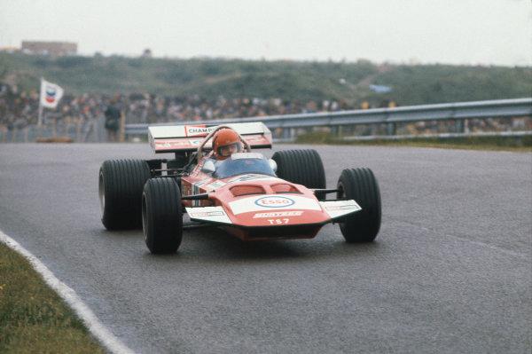 1971 Dutch Grand Prix.  Zandvoort, Holland. 18-20th June 1971.  Gijs van Lennep, Surtees TS7 Ford, 8th position, at Hunserug.  Ref: 71HOL23. World Copyright: LAT Photographic